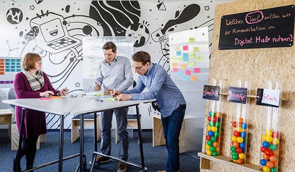 Bei der BG.evolution nehmen sich BEUMER Mitarbeiter eines Kundenproblems an und entwickeln also minimal ausgestattete Prototypen, deren Marktpotenzial sie bis zur Marktreife prüfen.