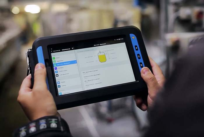 Messwertanzeige, Gerätebedienung und Diagnose per Smartphone oder Tablet