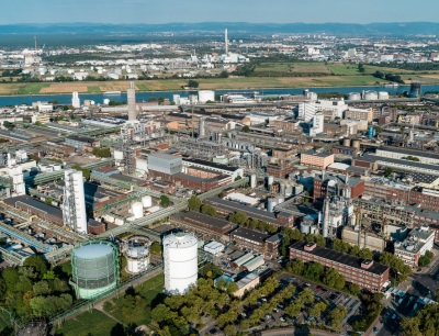 Das Herz der BASF-Gruppe ist die BASF SE mit ihrem Stammwerk in Ludwigshafen