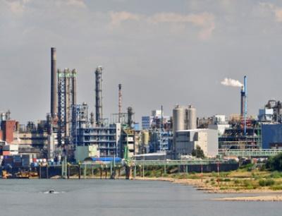 Gemeinsam auf der Leitmesse für Prozessindustrie: Deutsche Chemieparks werben um Investoren
