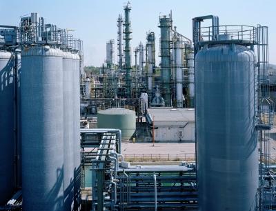 Die Clariant-Produktionsanlage mit Tanklager und Ethylenoxid-(EO)-Einheit in Gendorf, Deutschland