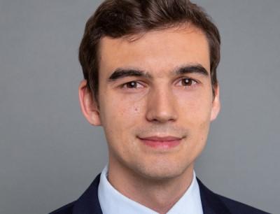 Studienpreis Wirtschaftschemie 2019 Julian Vogel Julian Vogel erhält den Studienpreis Wirtschaftschemie 2019 der GDCh-Fachgruppe Vereinigung für Chemie und Wirtschaft