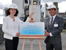 Elisabeth Winkelmeier-Becker, Parlamentarische Staatssekretärin im Bundeswirtschaftsministerium und Gilles Le Van, Vorsitzender der Geschäftsführung der Air Liquide Deutschland