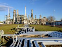 Chemiefabrik - Industrieanlage Raffinerie