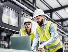 Ingenieure bringen die Transformation der chemischen Industrie aktiv voran – nachhaltig und im Gleichtakt mit gesellschaftlichen Veränderungen. @AdobeStock