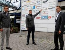 Infraserv-Geschäftsführer Dr. Joachim Kreysing begrüßt KFT Chemieservice