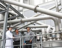 Energiesparend ins Silo: Bei Kuraray arbeitet ein interdisziplinäres Team stetig daran, Anlagen und Prozesse an den Produktionsstandorten effizienter zu machen