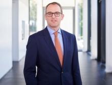 Oliver Coenenberg, Sanofi-Aventis Deutschland, bleibt Vorstandsvorsitzender des Arbeitgeberverbandes Hessen Chemie