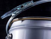 Spring Latch ist in den zwei Eimergrößen 286 und 230 und bald auch für den Durchmesser 328 mm erhältlich