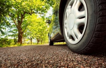 Die grünen Reifen mit Silica/Silan Technologie von Evonik sparen Benzin dank ihres geringen Rollwiderstands